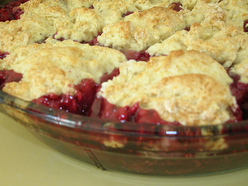 berry fruit cobbler