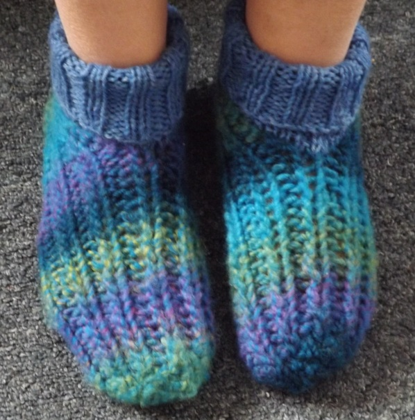 easy knit booties 1